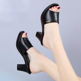 新款厚底时尚拖凉鞋夏中跟防水台鱼嘴粗