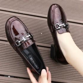 漆皮乐福鞋粗跟中跟单鞋春夏大码真皮英伦小皮鞋