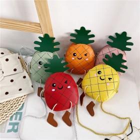 儿童包包卡通菠萝可爱斜挎包单肩包一个