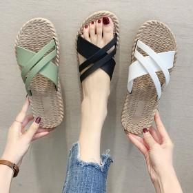 拖鞋女夏新款平底时尚百搭外出逛街清凉旅行海边沙滩鞋