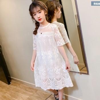 女童新款超仙时髦白色蕾丝镂空连衣裙
