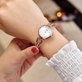 新款女款水钻钢带防水学生时装搭配饰手表简约气质