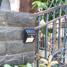 太阳能灯LED人体感应壁灯户外防水花园庭院灯照明灯
