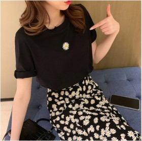 新品韩版小雏菊t恤半身长裙两件套