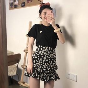 套装百搭小雏菊绣花T恤/半身裙网红雪纺高腰学生短裙