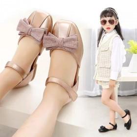 中大童洋气方口软底儿童公主皮凉鞋女童皮鞋2020