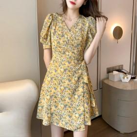 复古连衣裙女夏法式印花小众收腰裙港风小个子碎花裙