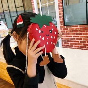 儿童包包女可爱女童包包草莓斜挎包小孩包包时尚小挎包