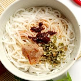 桂林米粉 袋装鲜湿米线 香葱叉烧味245g