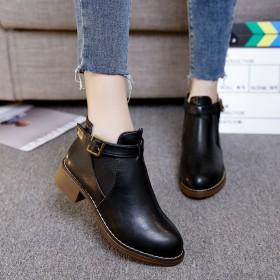 明星同款秋冬新款韩版女短靴粗跟扣带单靴加绒女鞋