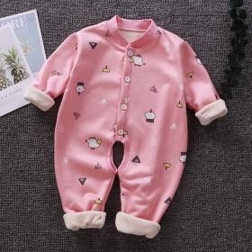 婴儿加绒连体衣一件