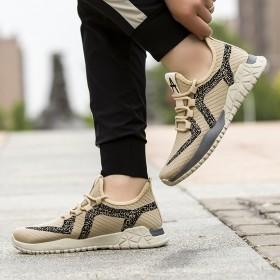 新款时尚运动休闲鞋户外耐磨跑步透气鞋潮流男鞋板鞋