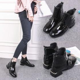 方头平跟漆皮松紧口短靴短筒英伦时尚女鞋马丁靴