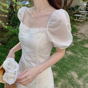 泡泡袖方领蕾丝连衣裙法式初恋心机裙子