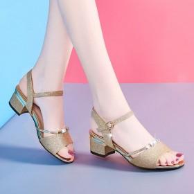 中跟凉鞋夏粗跟女鞋韩版露趾一字扣女士高跟鞋