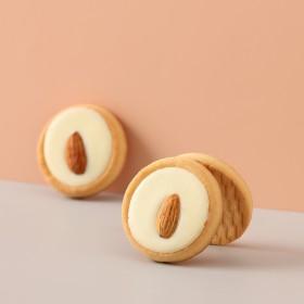 藤野制菓巴旦木软心曲奇白巧克力甜心饼干网红儿童零食