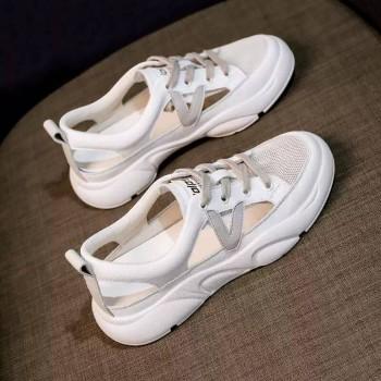 小白鞋女休闲透气网鞋女百搭韩版学生网红镂空潮板鞋