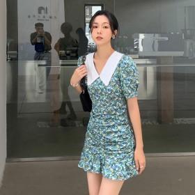 2021复古碎花修身短款连衣裙翻领珍珠领褶皱鱼尾裙
