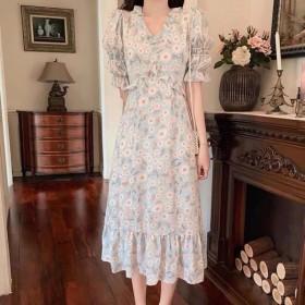 新款赫本风法式碎花连衣裙小个子桔梗初恋泡泡袖裙女
