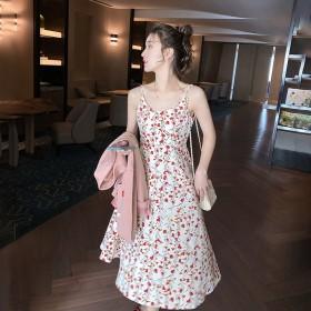 2021年新款宽松薄款碎花连衣裙夏季v领吊带裙子法