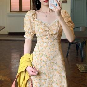 夏季甜美气质显瘦黄色碎花泡泡袖法式设计感赫本风中长