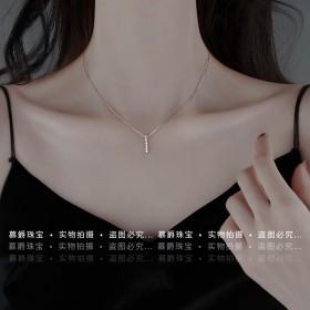 项链女轻奢字母小众设计冷淡风锁骨链纯银项链