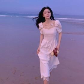 法式方领白色连衣裙女2021夏季新款复古泡泡袖气质