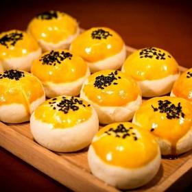 40枚蛋黄酥雪媚娘饼干甜品网红零食糕点点心月饼早餐