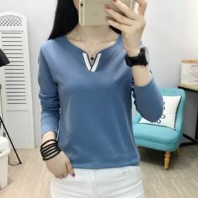 长袖T恤女秋冬新款宽松V领韩版时尚纯色打底衫大码上