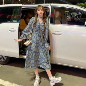 韩版新款法式中长款收腰显瘦碎花V领喇叭长袖连衣裙