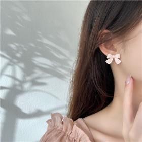 淘花花时尚饰品杨超越同款粉白蝴蝶结耳钉耳环纯银针