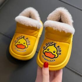 小黄鸭儿童雪地靴宝宝冬新款PU防水软底加绒小孩大棉