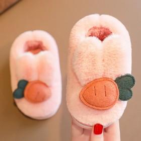 宝宝新款绒面包跟1-3岁婴幼儿女保暖防滑儿童棉拖鞋